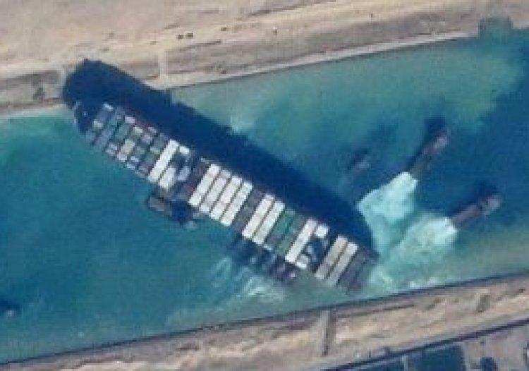 Vastgelopen containerschip Suezkanaal: 'Dit was een geheime operatie tegen de globalisten'